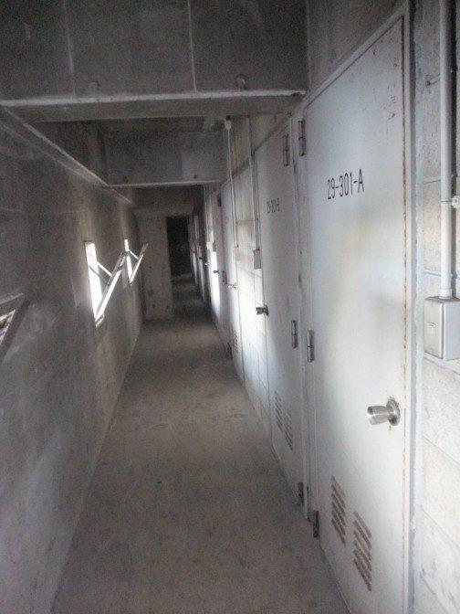 倉庫専用廊下