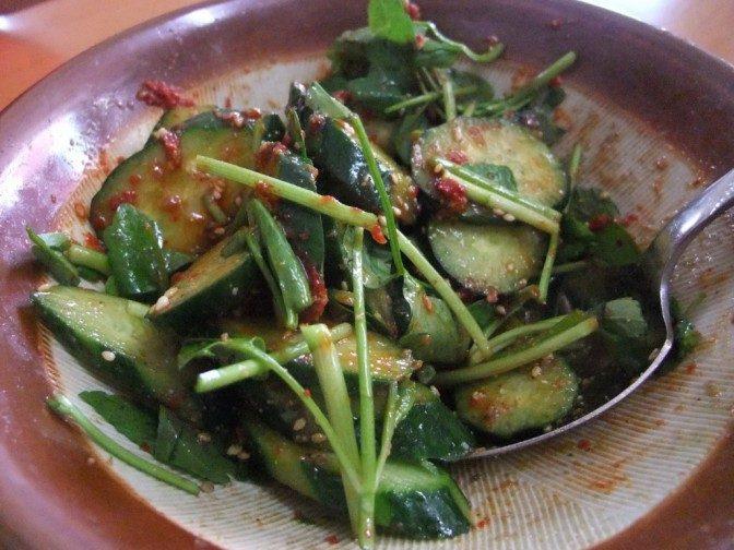 胡瓜と三つ葉の辛味ゴマ和え
