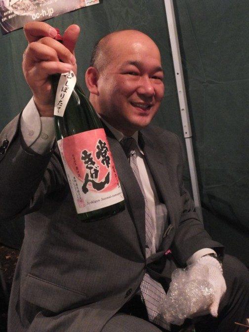 牡蠣に合う、というお酒持参のたっぴぃさん
