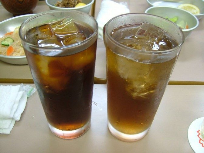 お酒ではなくお茶に見えるけど、れっきとしたアルコールです