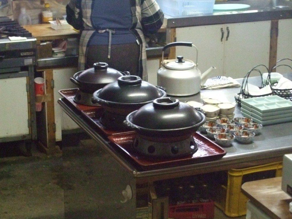 鍋が3つ用意されていた
