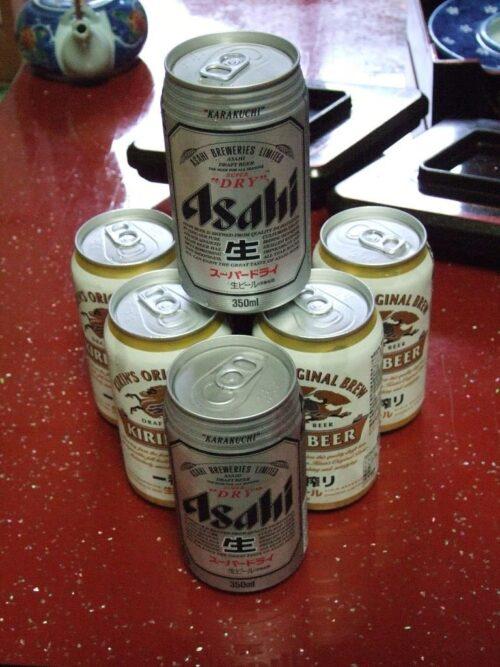 山積み缶ビール