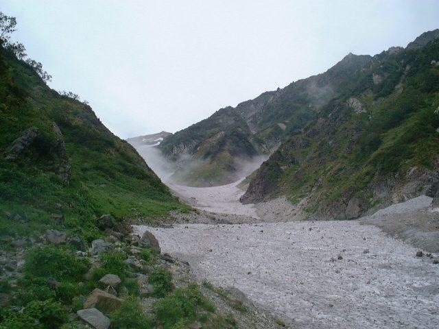 秋のため随分細った大雪渓