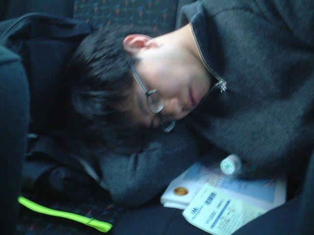 車中で居眠り