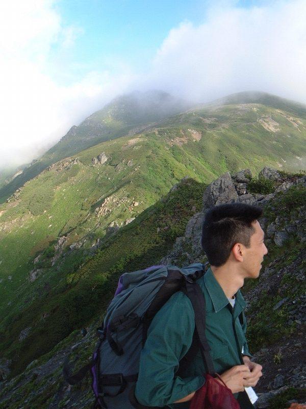 千枚岳から悪沢岳方面を見る