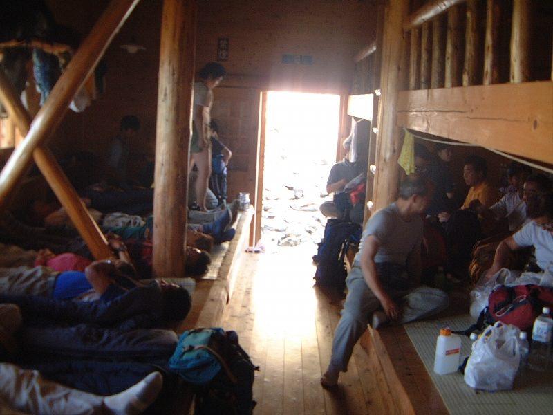 赤石小屋内部