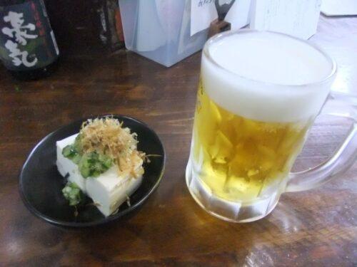 だし豆腐つきとビール