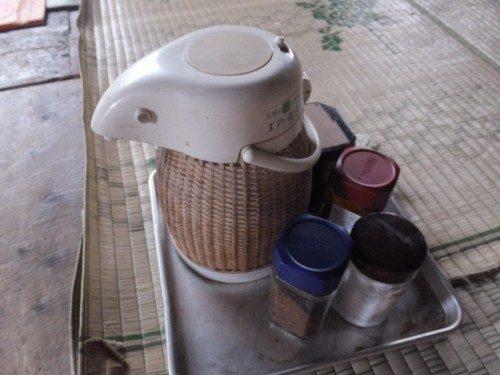 コーヒーはセルフサービス