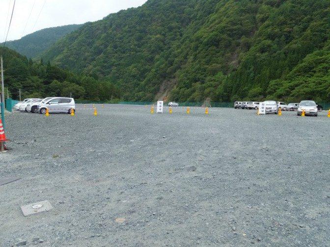 奈良田の駐車場