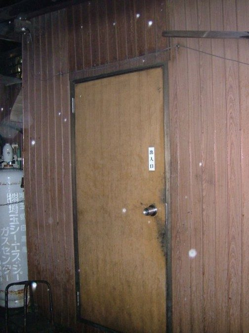 店の入口・・・だよね、これって。