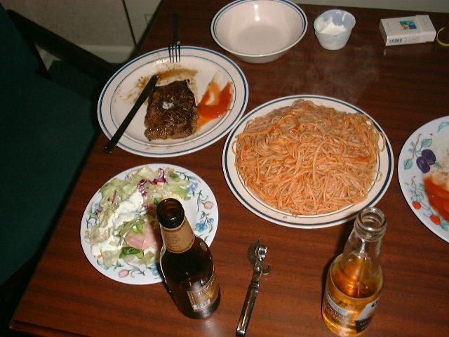 2日目夕食の食卓