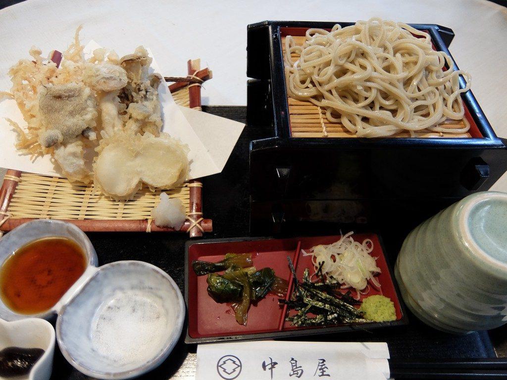 セイロ二段ときのこ天ぷら