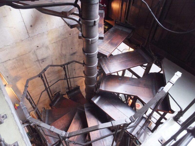 らせん階段が特徴的