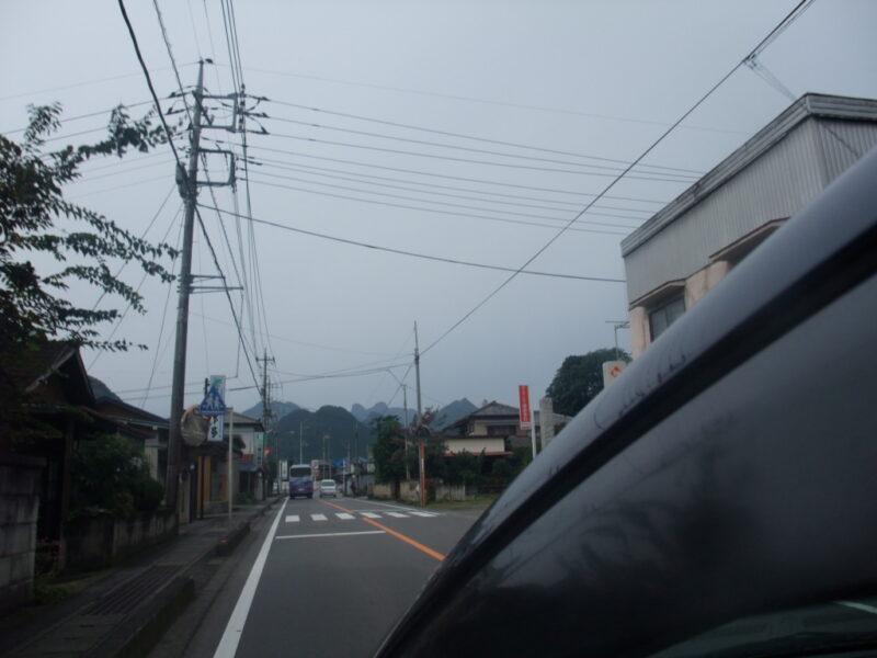妙義山への道