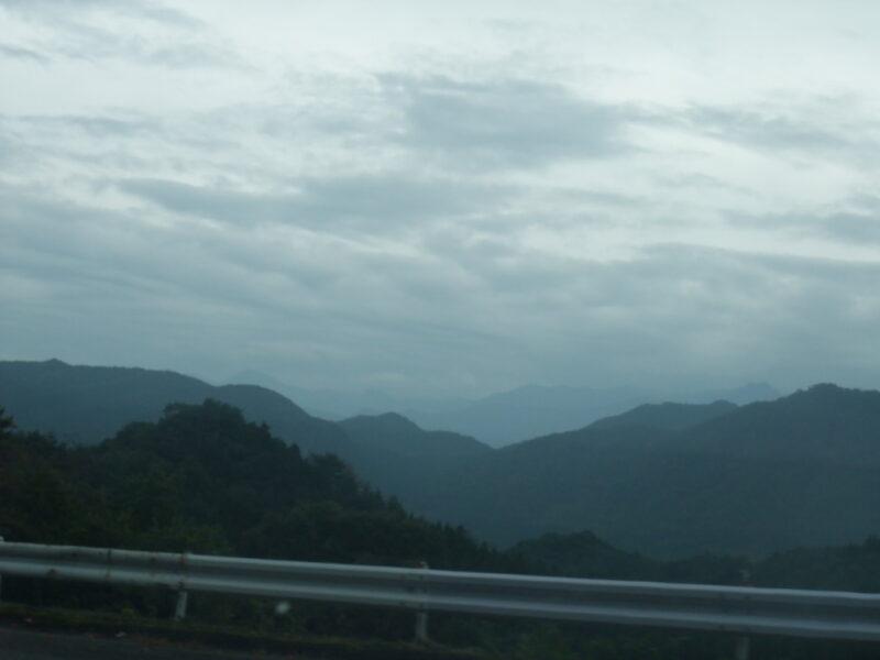 妙義山から下界を見下ろす