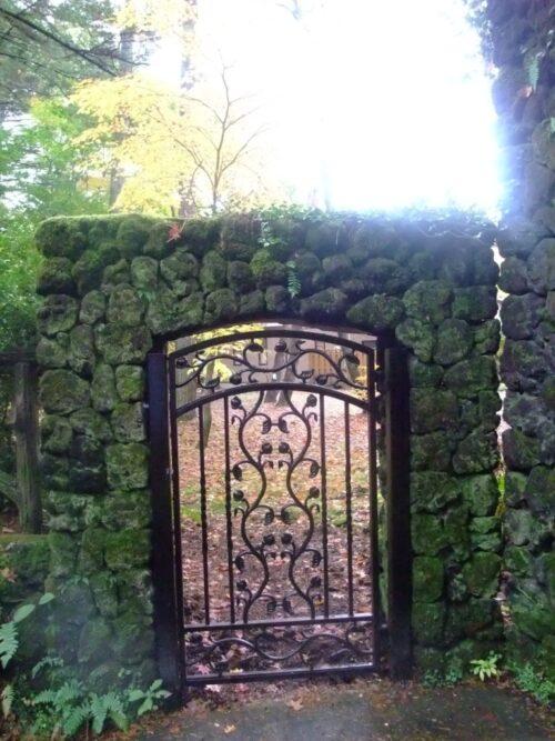 立派な門構え