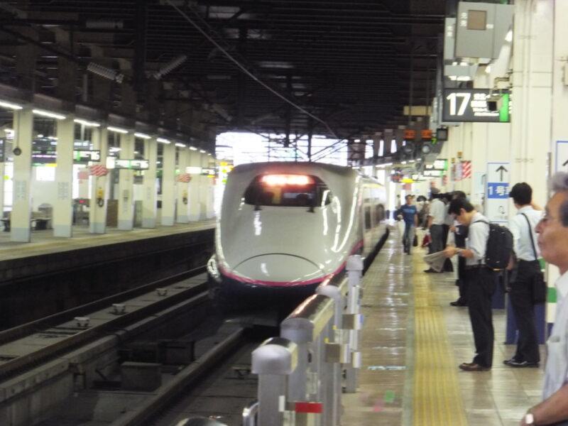東北新幹線入線