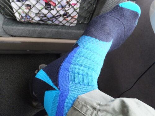 新しいアイテム:靴下(左右非対称)