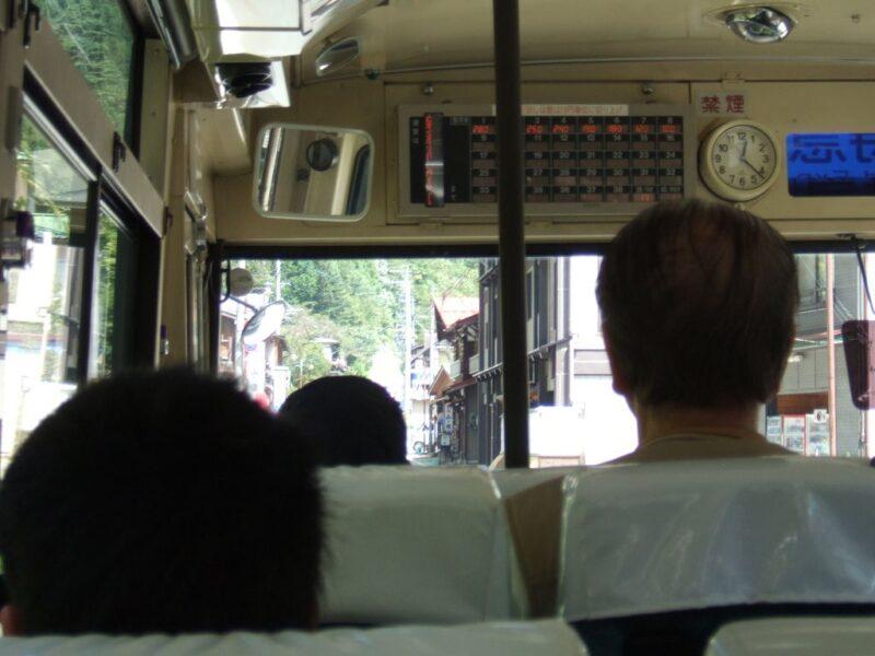 バスは新穂高を目指す