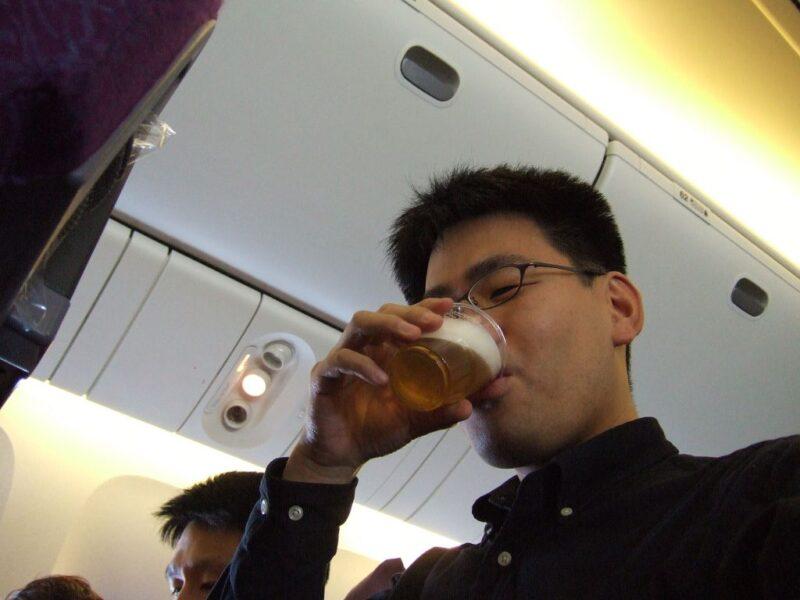 タイガービールをがぶ飲み