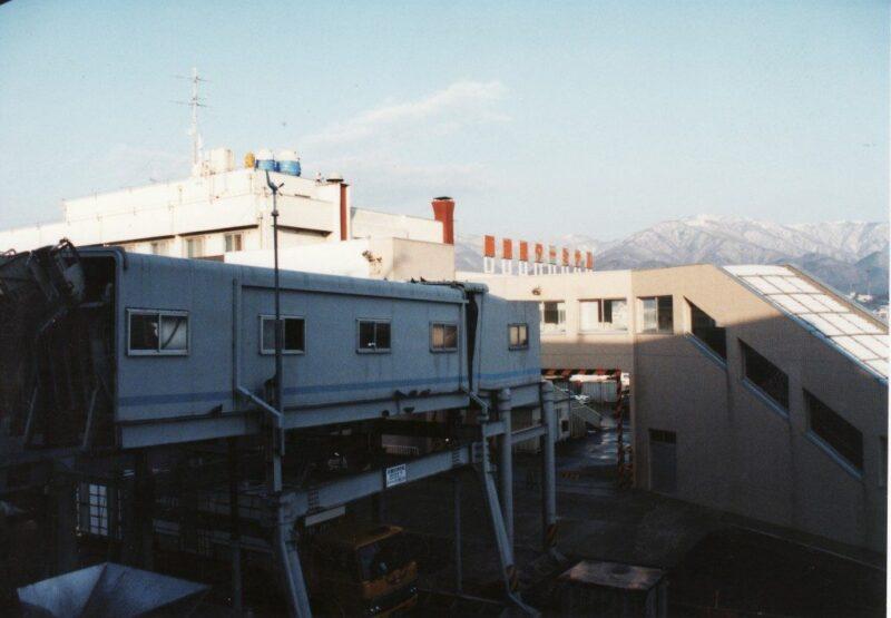 両津のフェリーターミナル