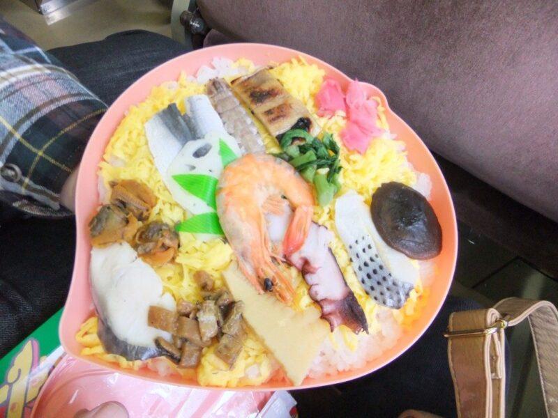 桃太郎の祭ずし中身