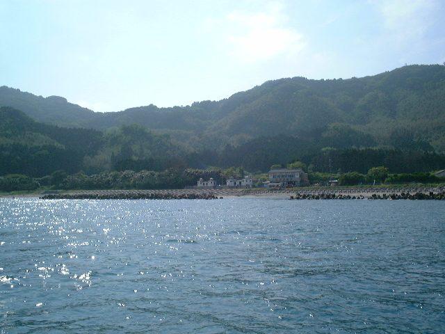 海から見た粟島