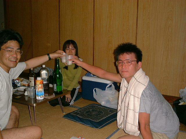 酒飲み3名で乾杯