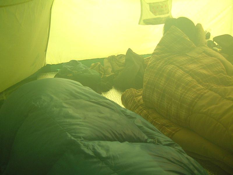 テントの朝