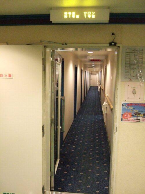 特等席や一等客席があるフロアの廊下