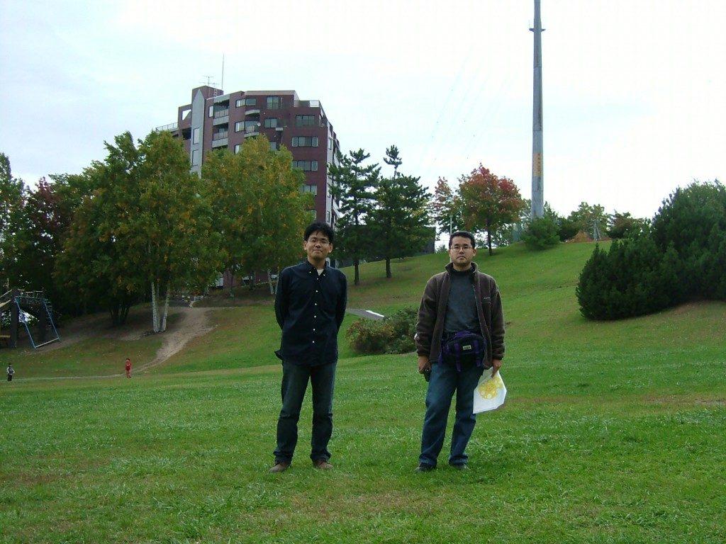 HTB裏の公園