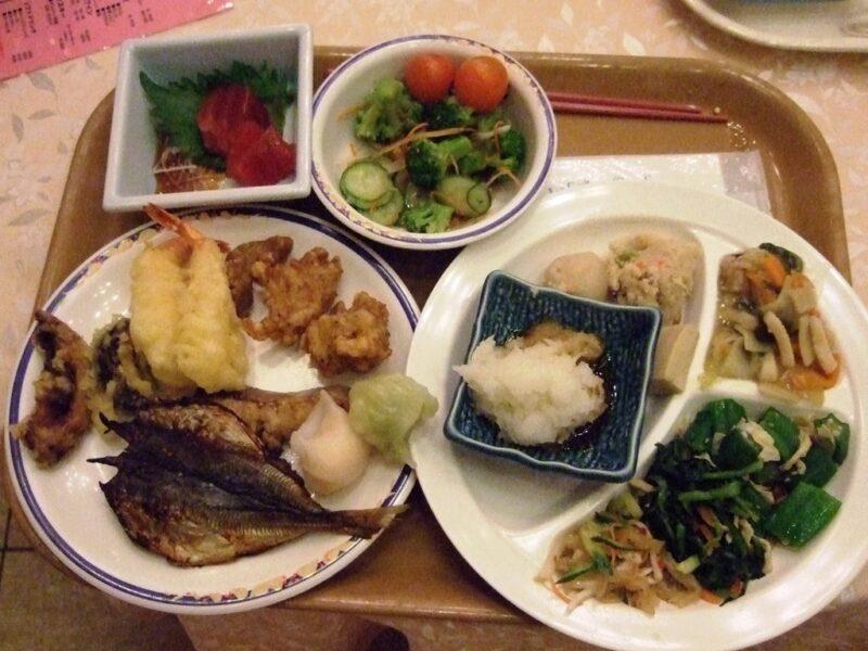 ホテル浦島日昇館の夕食バイキング