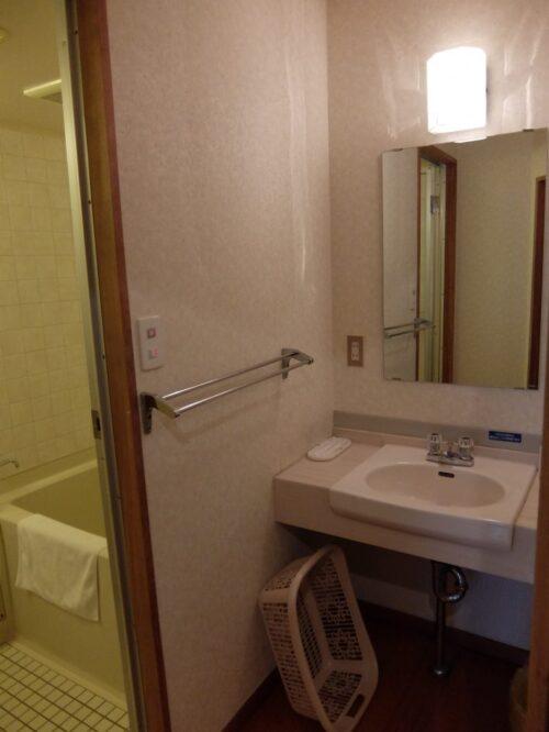 洗面台と風呂