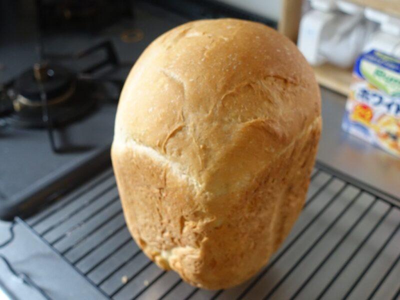 ホームベーカーリーで焼いたパン