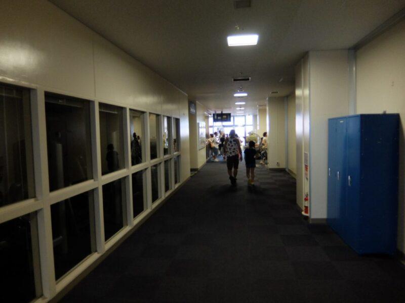 フィットネスセンター内部