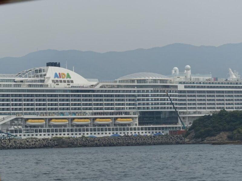 12.5万トンの超巨大船