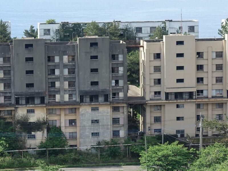 廃墟となるマンション