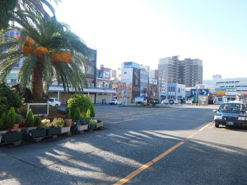 伊東駅駅前