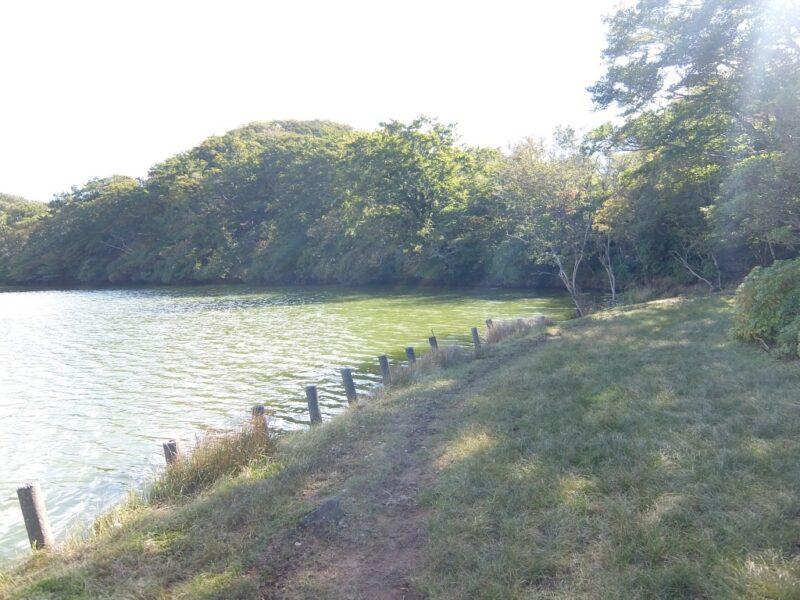 八丁池湖畔