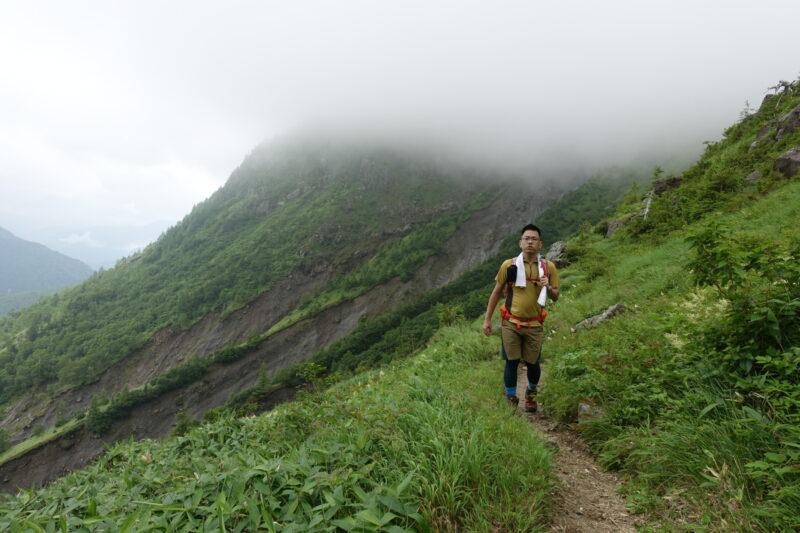 山小屋への道