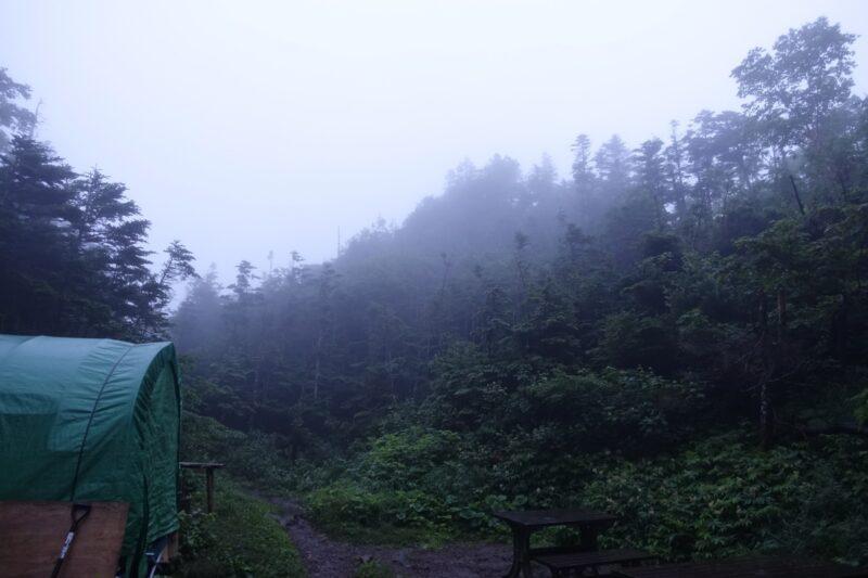2日目朝の焼岳小屋