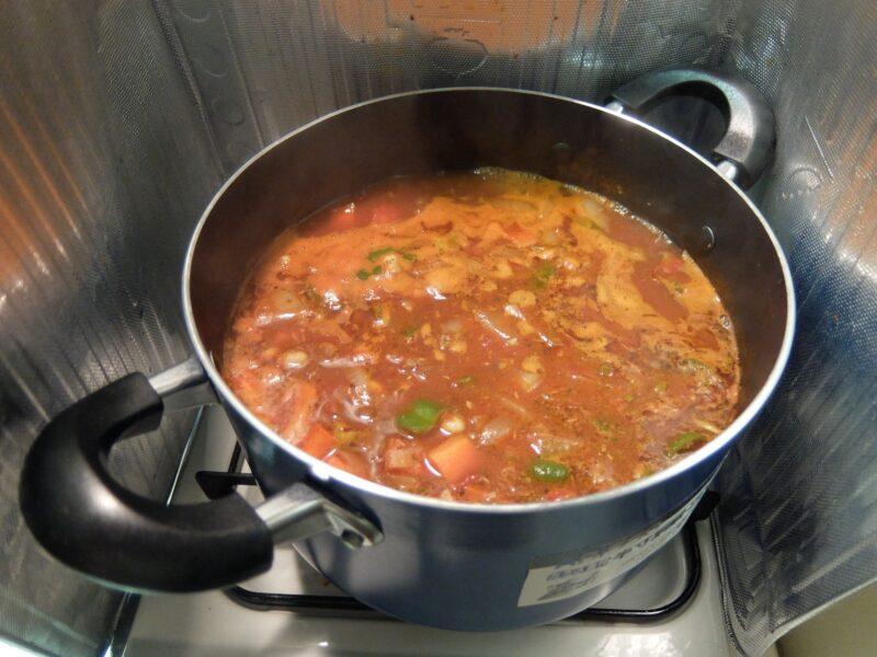 チリコンカンを鍋で作る
