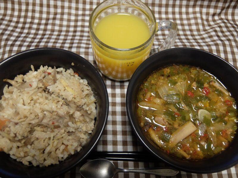 しょうがご飯と、ピリ辛牛肉スープ