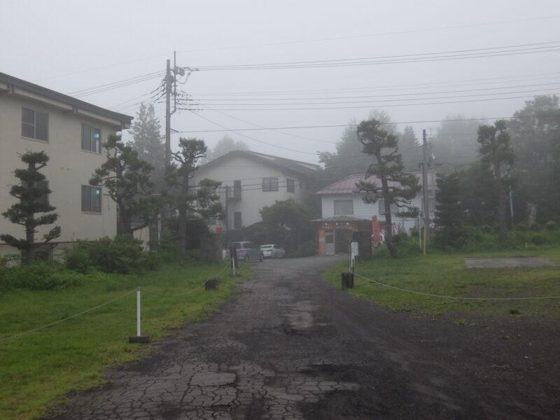 霧煙る新鹿沢温泉