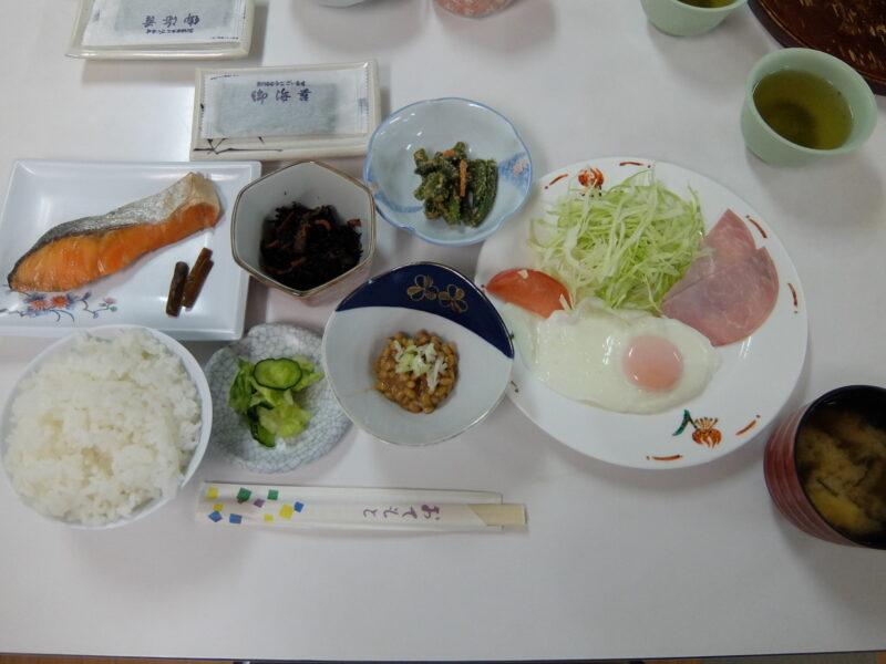 鹿澤館の朝食