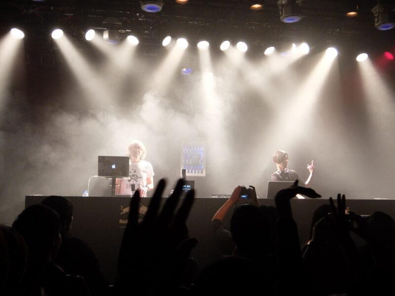 Red Bull Studios Tokyo × NATIVE INSTRUMENTS present LIVE DE DE MOUSE + Chip Tanaka