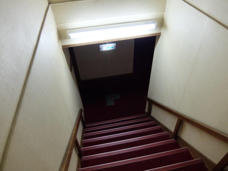 使われていない階段