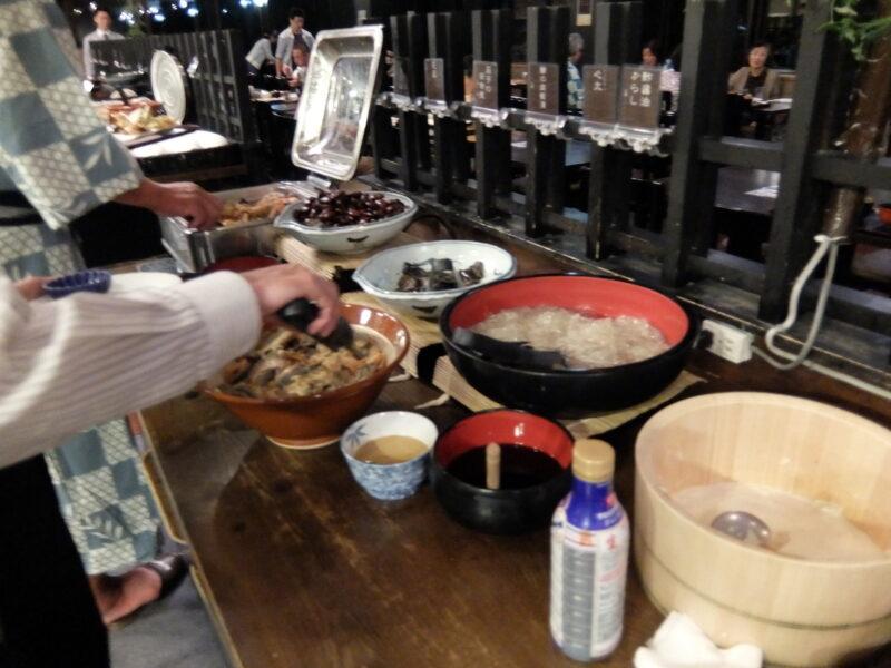 日進館の夕食ビュッフェ