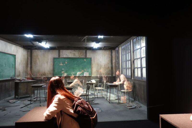レアンドロ・エルリッヒ展:見ることのリアル