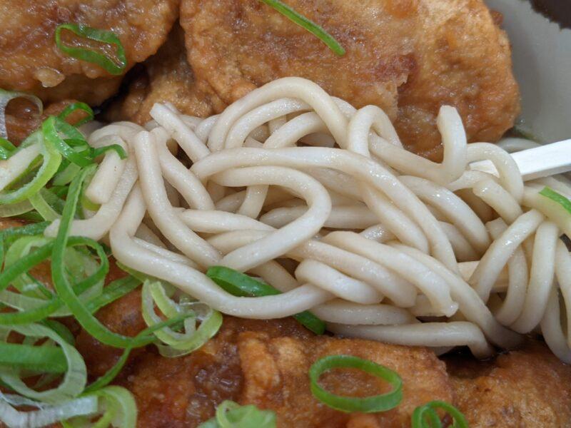 弥生軒の麺